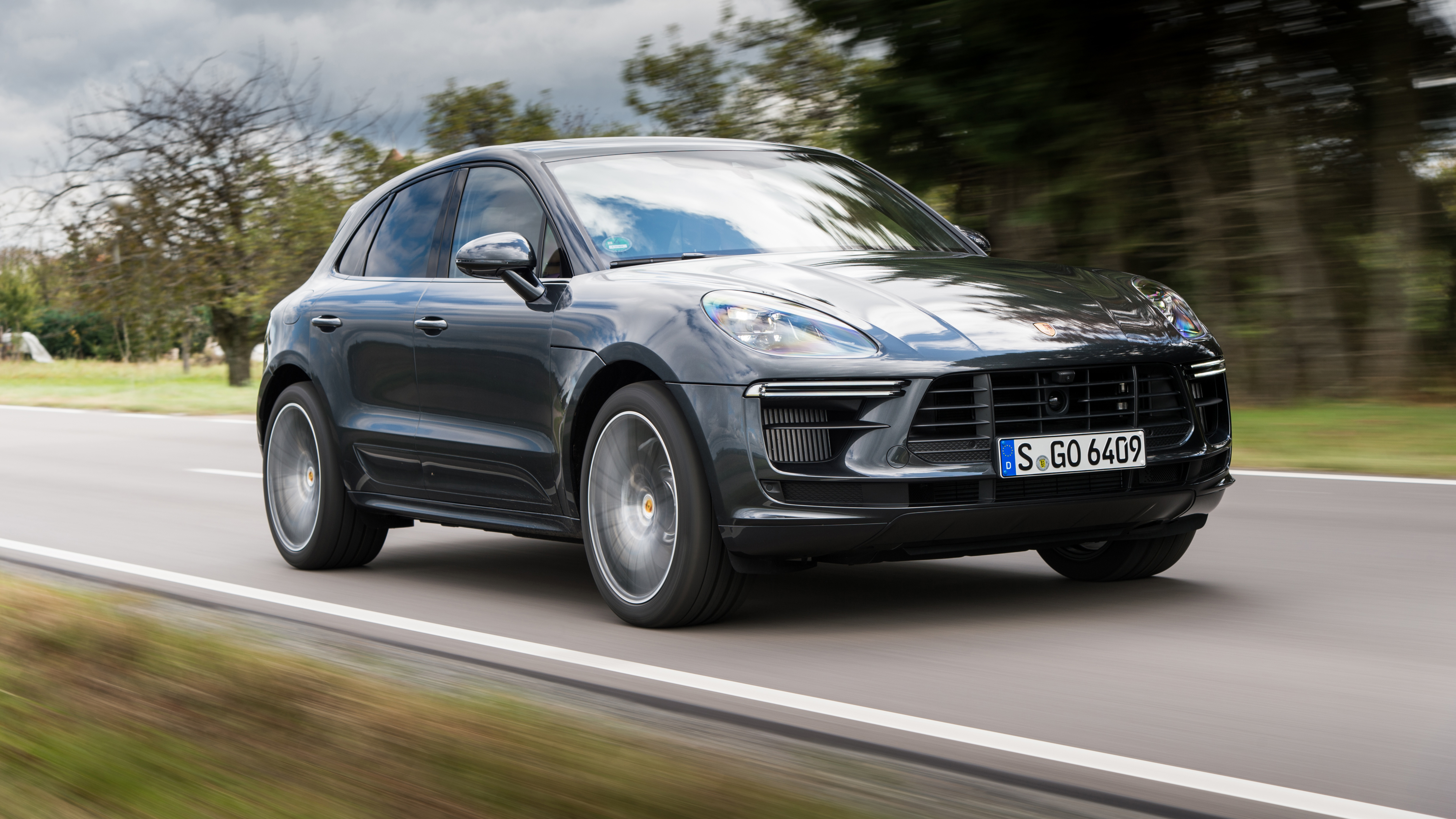 2020 Porsche Macan Turbo First Drive What S New Performance Handling Autoblog