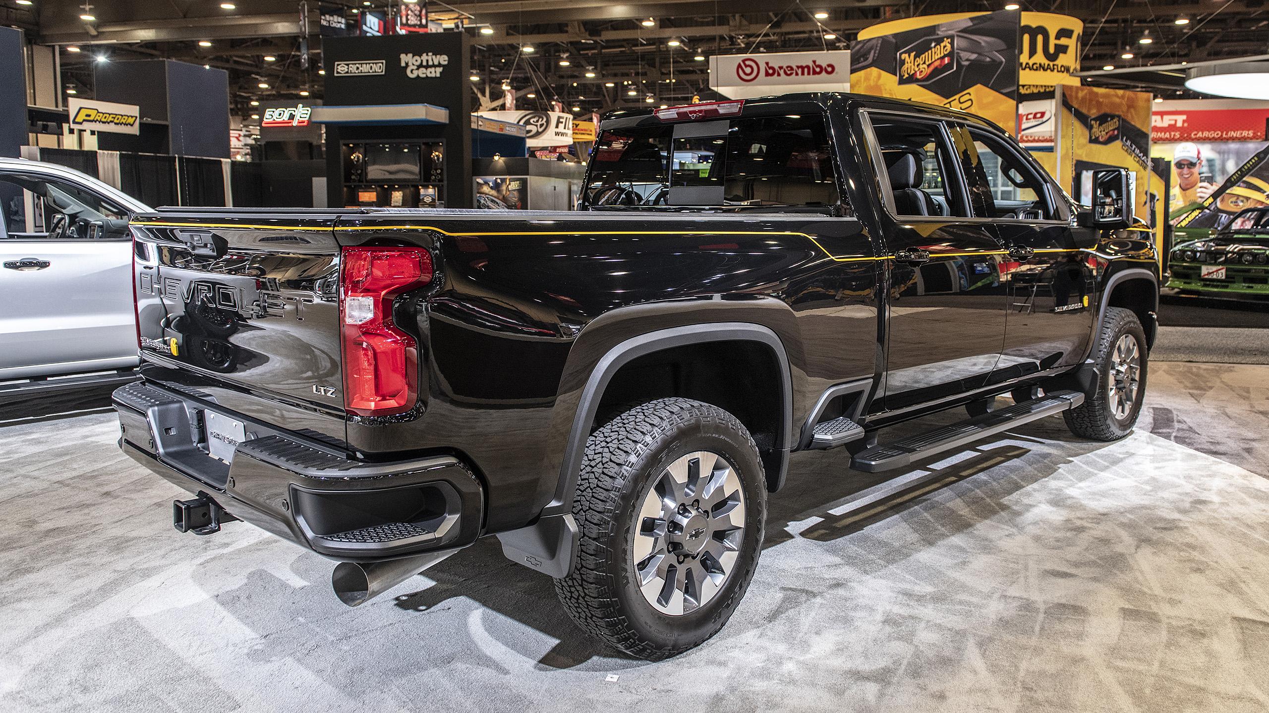 Chevy and Carhartt link on 2021 Silverado 2500 HD Special ...