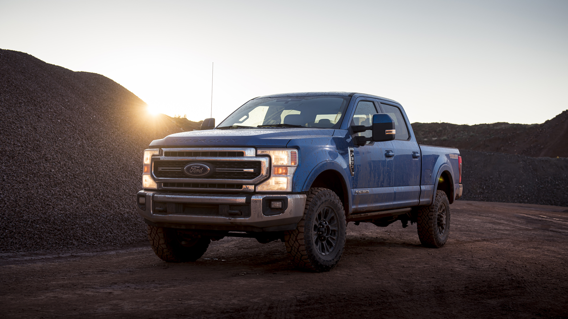 2020 Ford F 250 F 350 F 450 Super Duty Review What S New Towing Performance Driving Impressions Autoblog