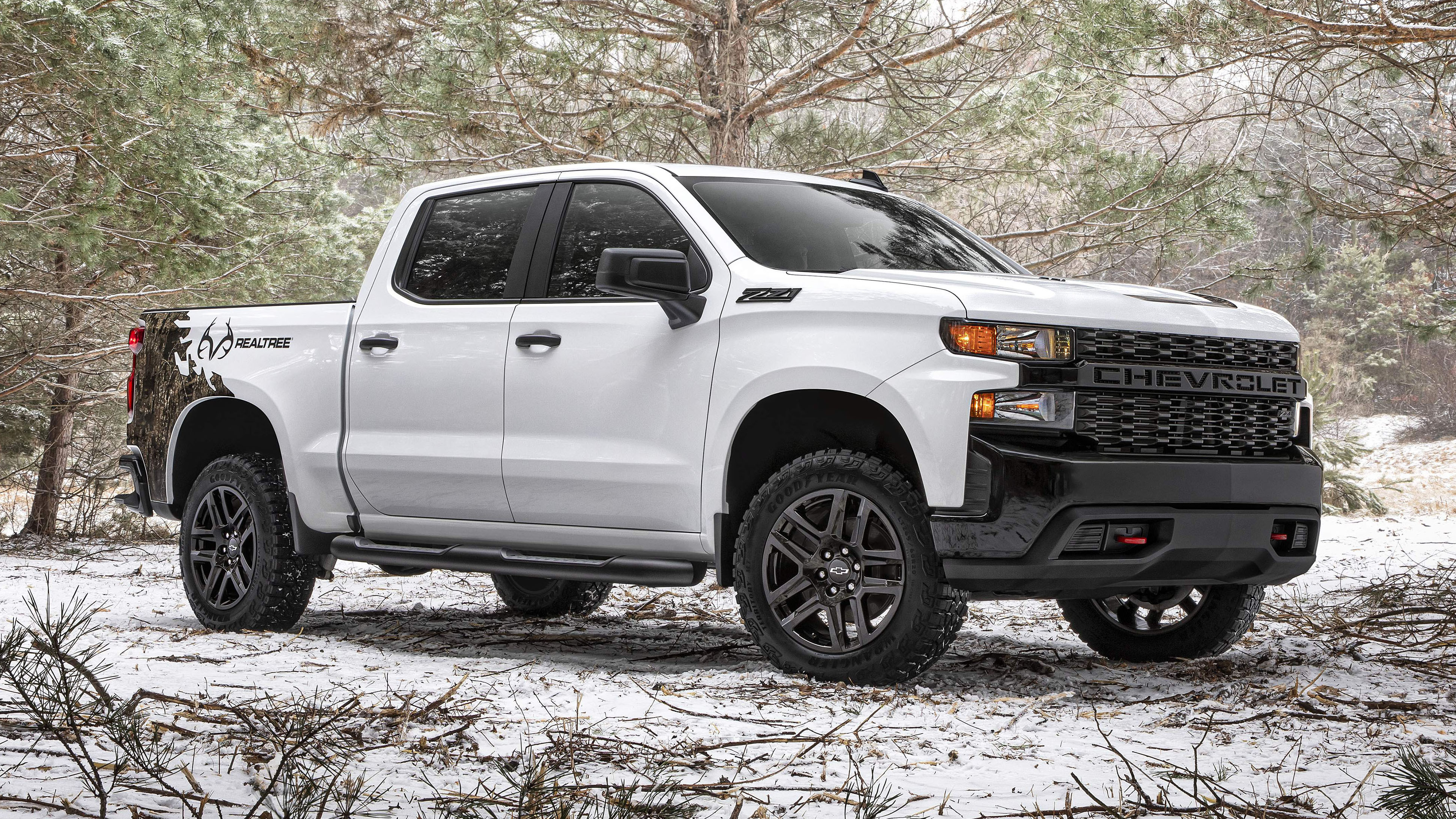 2021 chevrolet silverado realtree edition revives camo
