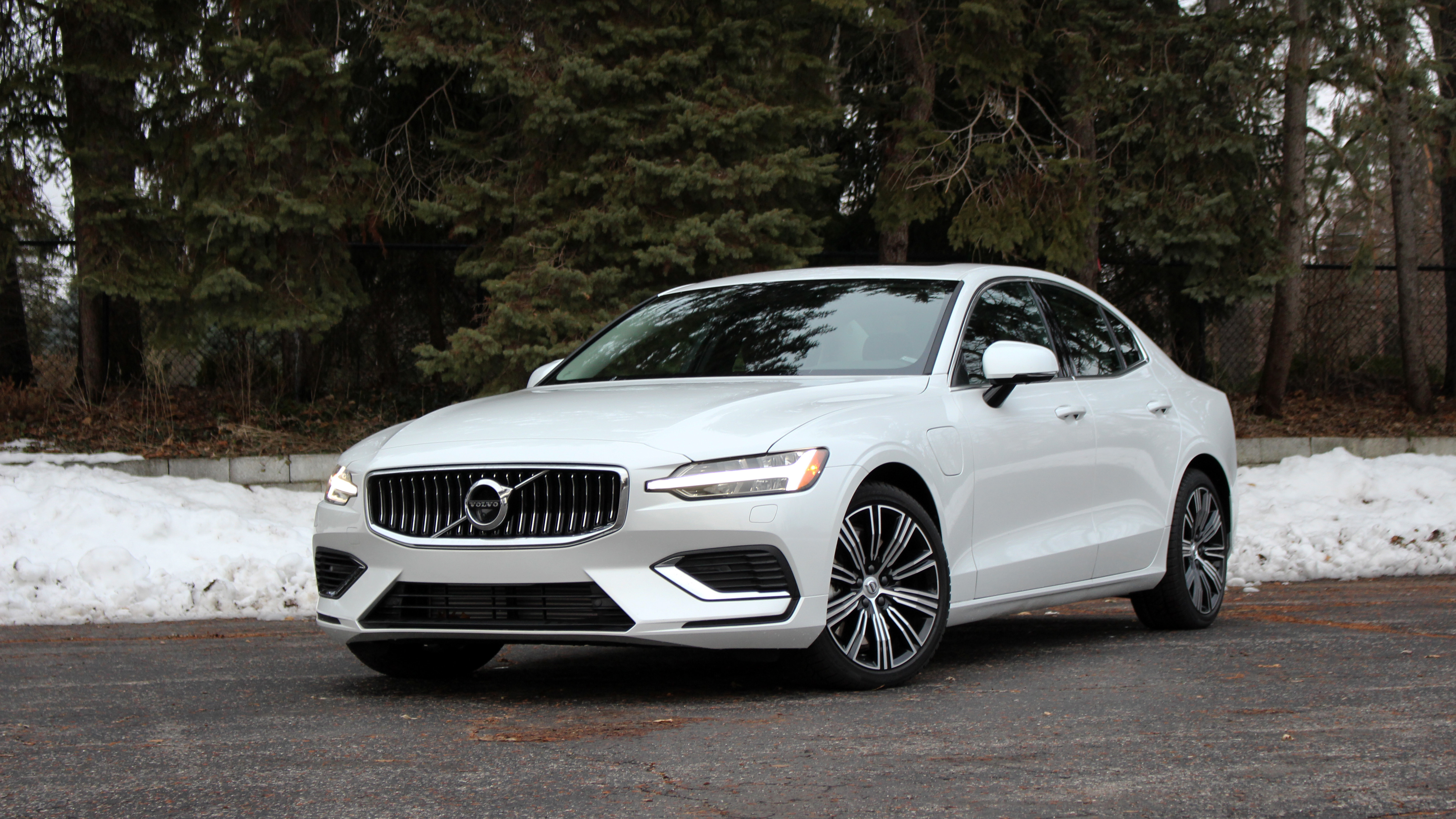 2020 Volvo S60 T8 Long Term Introduction Phev Specs Options Autoblog