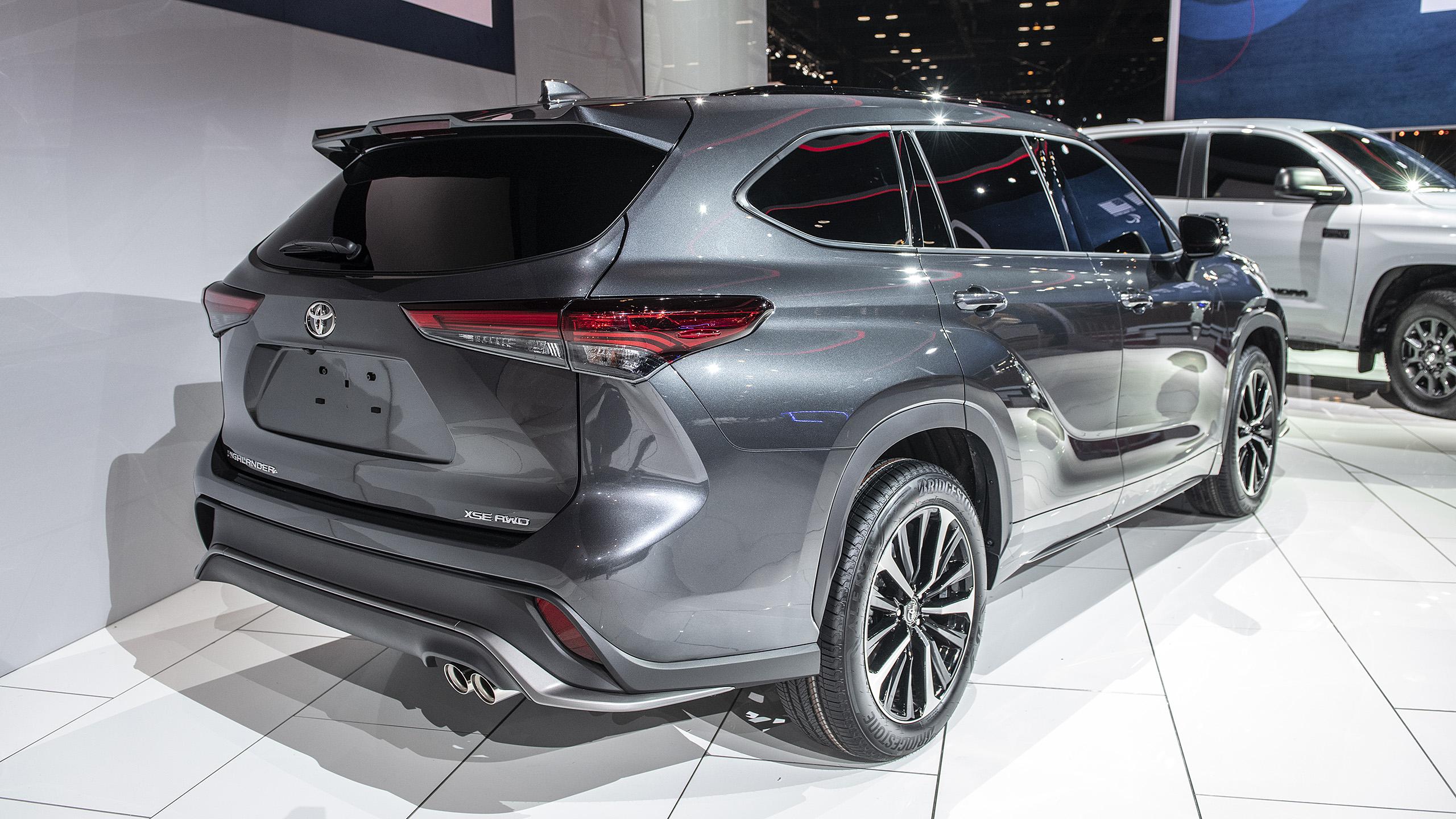 2021 toyota highlander xse revealed at chicago auto show
