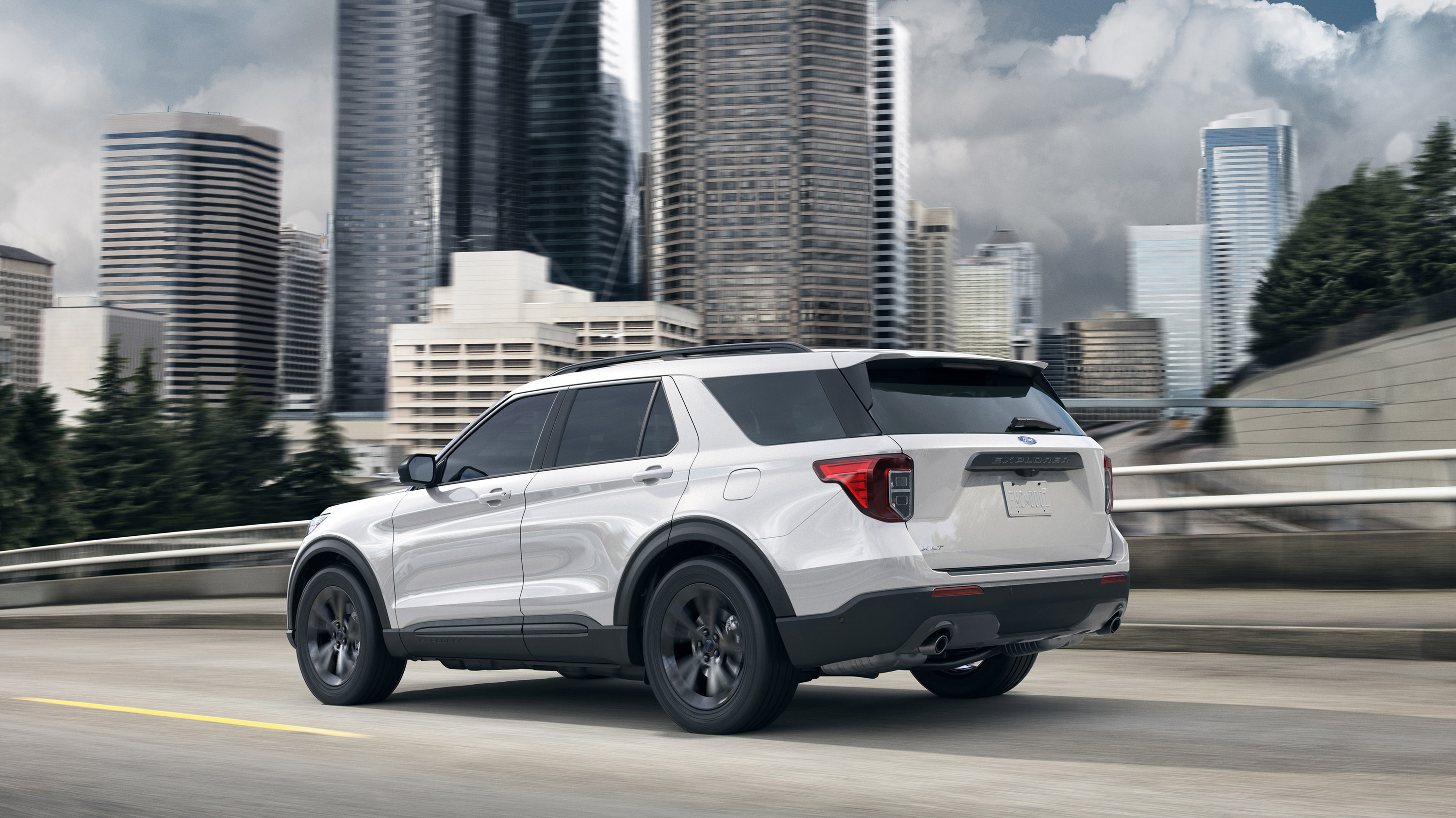 2021 Ford Explorer Sports Picture