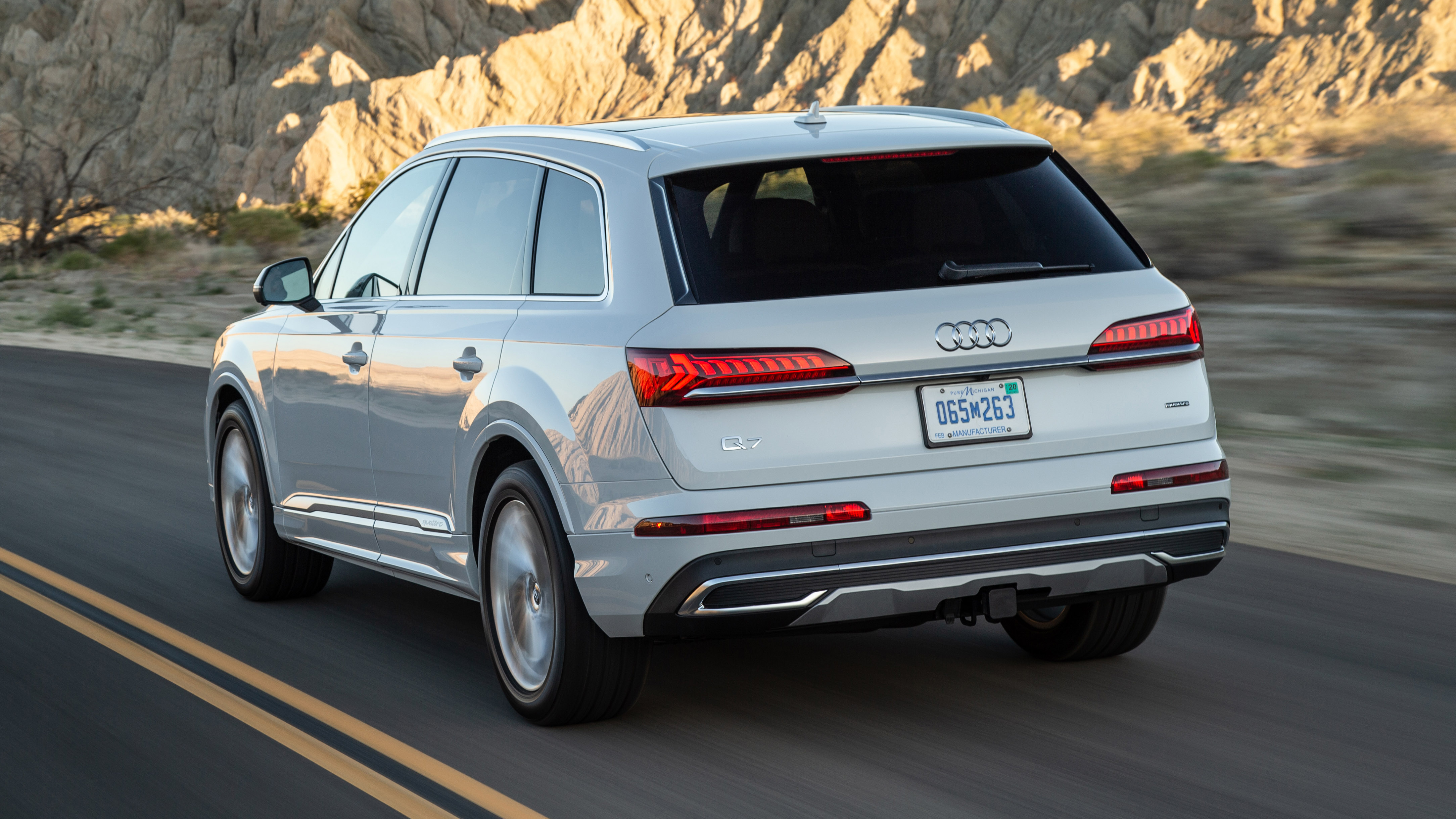 2020 Audi Q7 Review First Drive What S New 55 Tfsi V6 Fuel Economy Autoblog