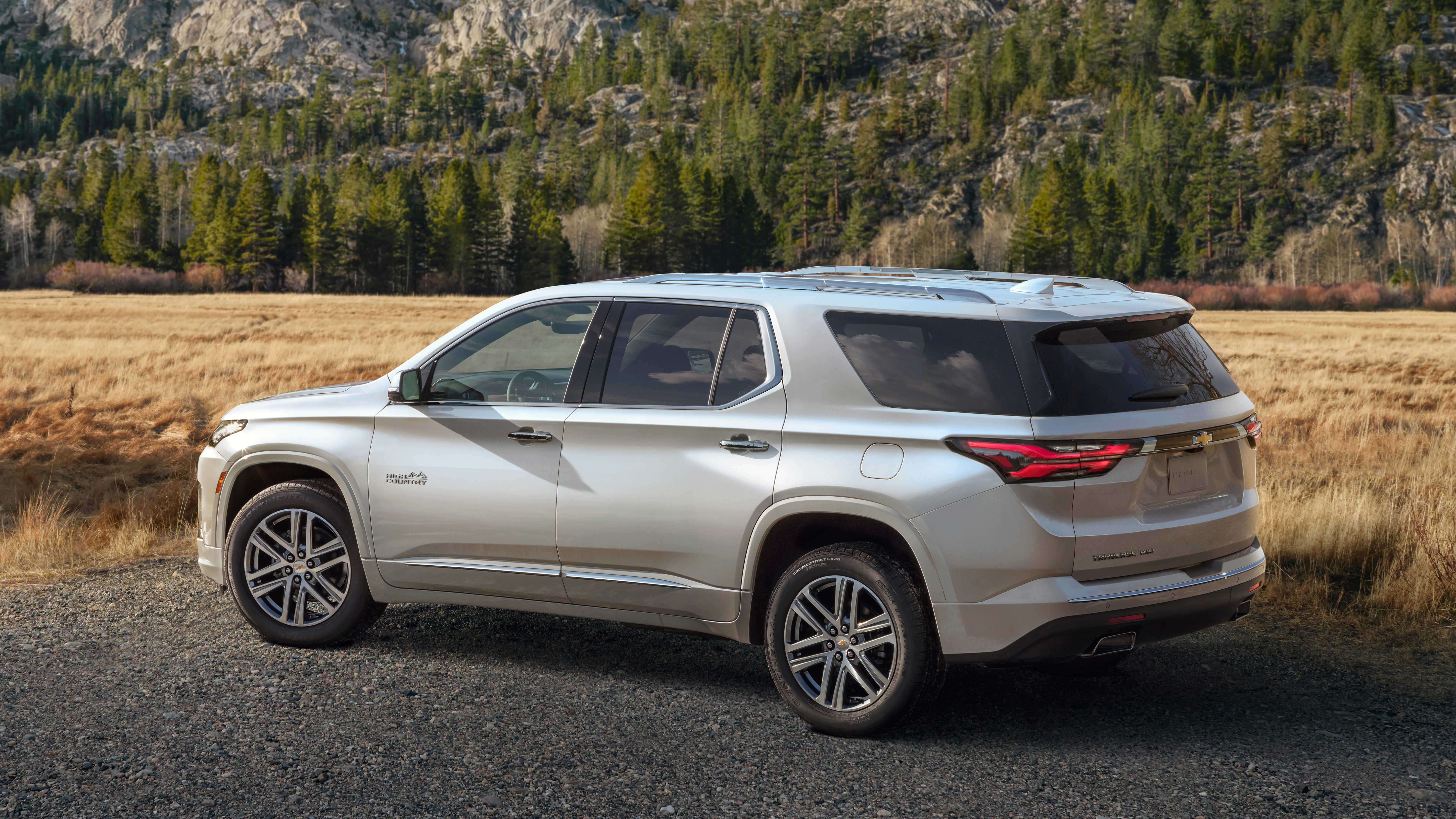 2021 Chevy Traverse debuts with minimal changes, but ...