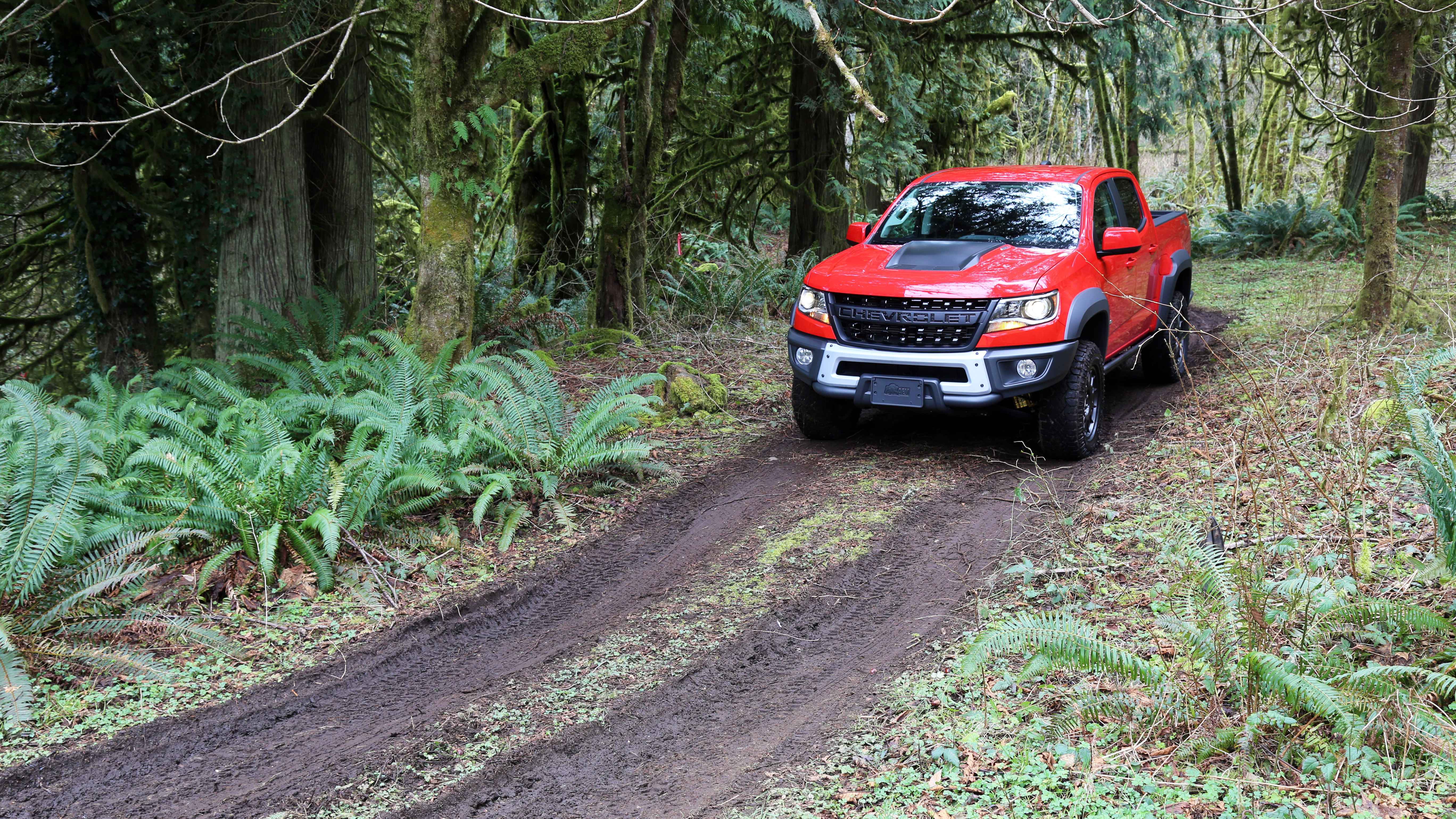 2020 chevy colorado zr2 bison second drive off road highway driving diesel fuel economy autoblog autoblog
