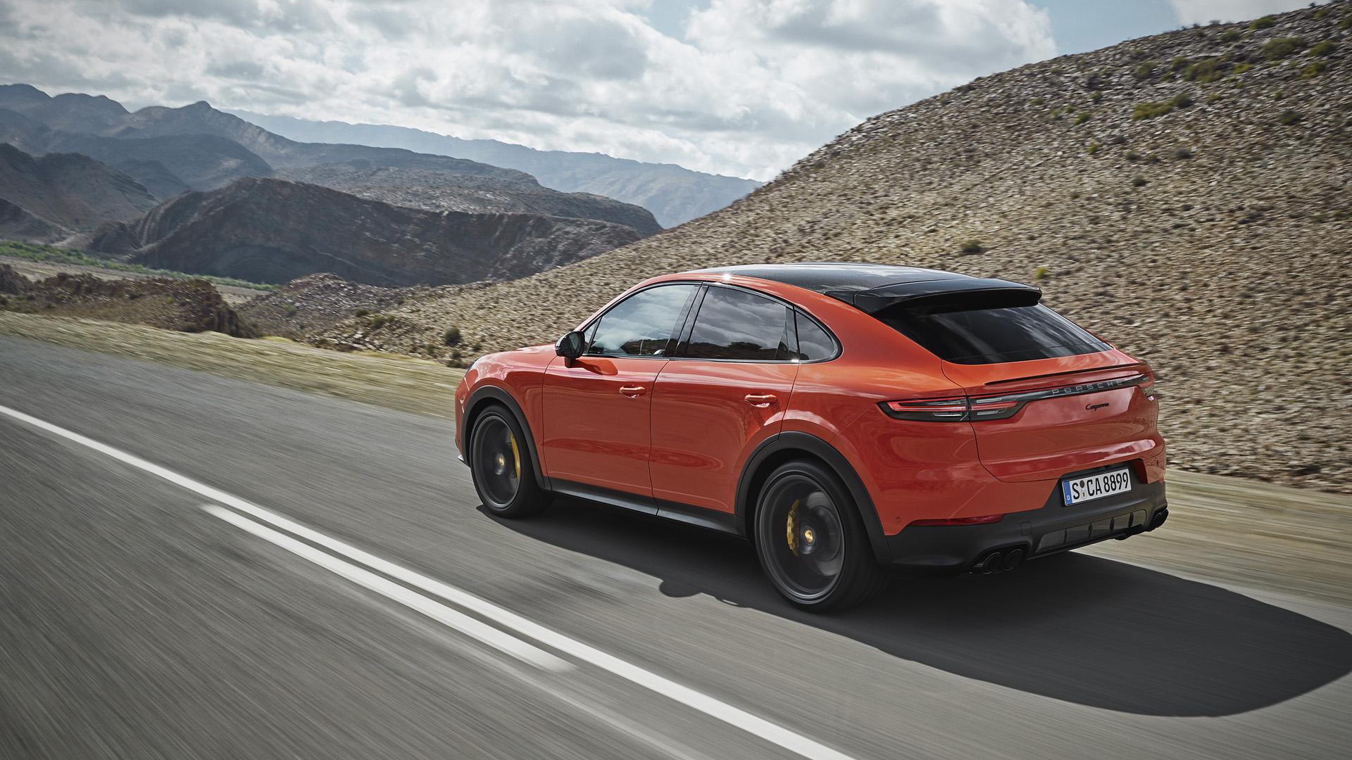 2020 Porsche Cayenne Coupe Second Drive Cargo Space Performance Fuel Economy Autoblog
