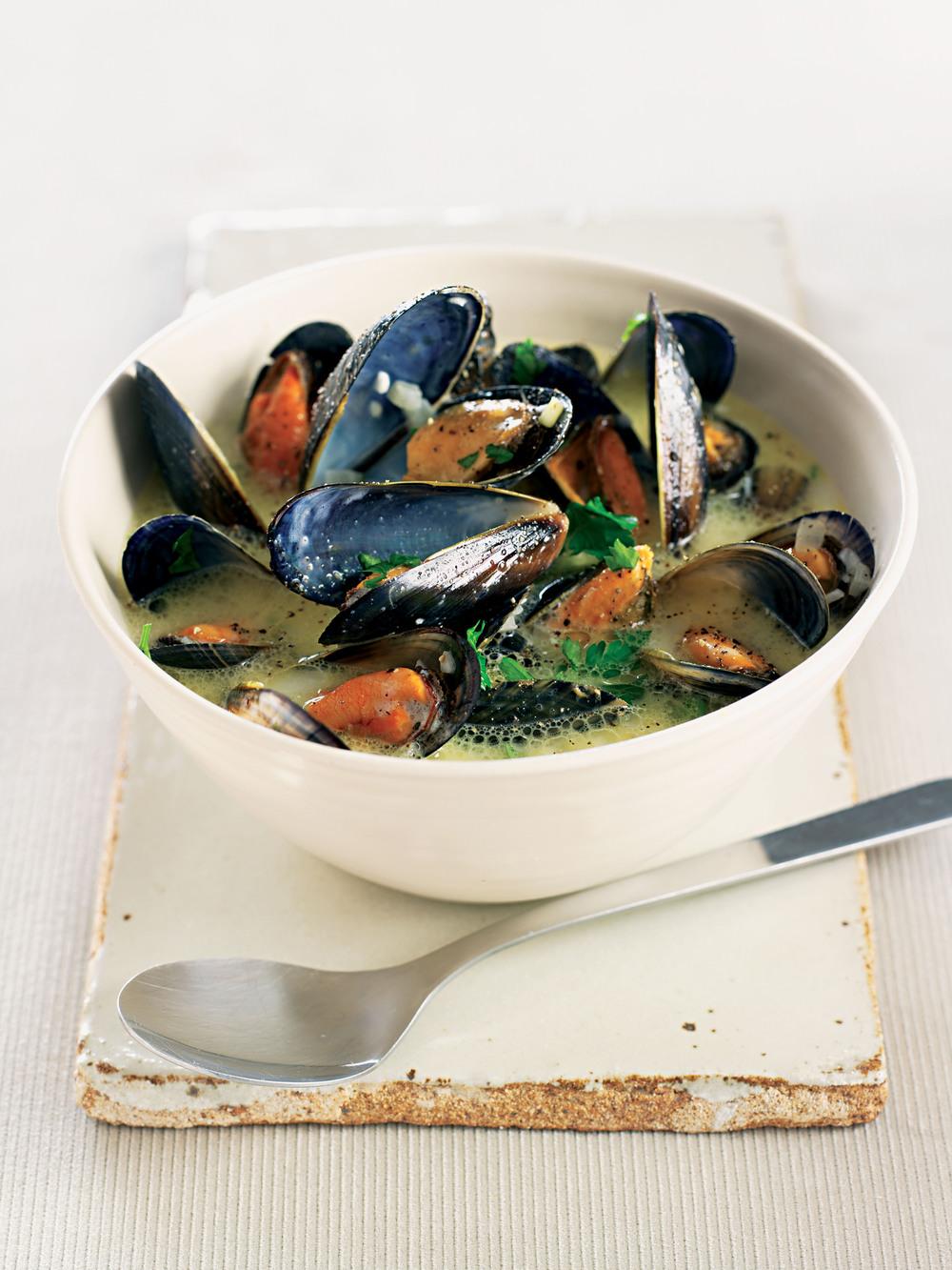Creamy Garlic Mussels